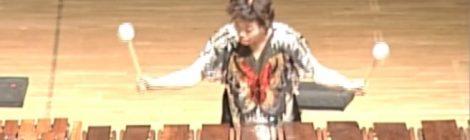 Michiko Takahashi: marimba contrabaixo